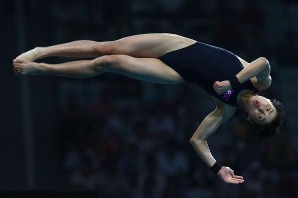 女子10米跳台20日赛况