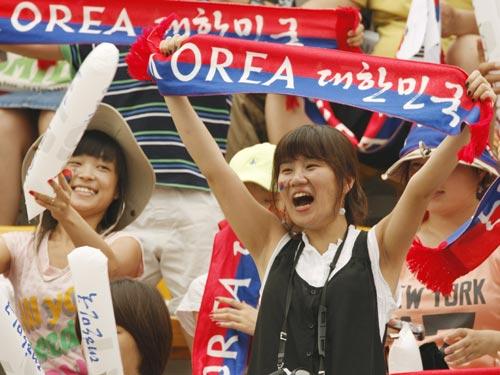图文-[射箭]李昌焕创新的奥运纪录 观众热情似火