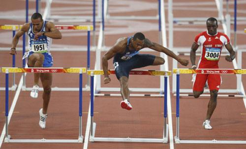 图文-110米栏预赛第2轮赛况 实力明显高出一筹