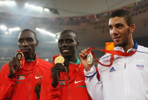 图文-男子3000米障碍赛决赛 前三名展示奖牌
