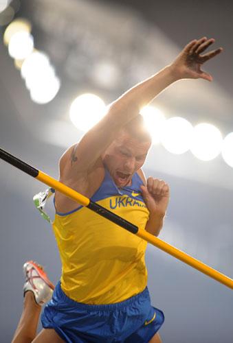 图文-男子撑杆跳高及格赛赛况 乌克兰选手