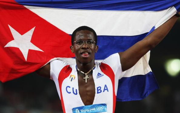 男子110米栏罗伯斯夺冠
