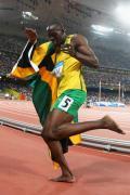 图文-牙买加刷新4x100纪录 博尔特赛场热舞