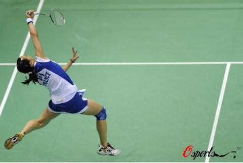 图文-奥运羽毛球女单第1轮比赛 回击力度也很大