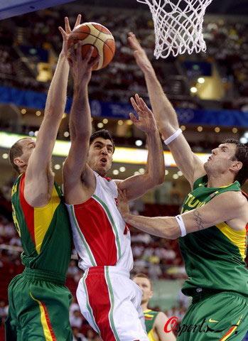 男篮立陶宛99-67伊朗