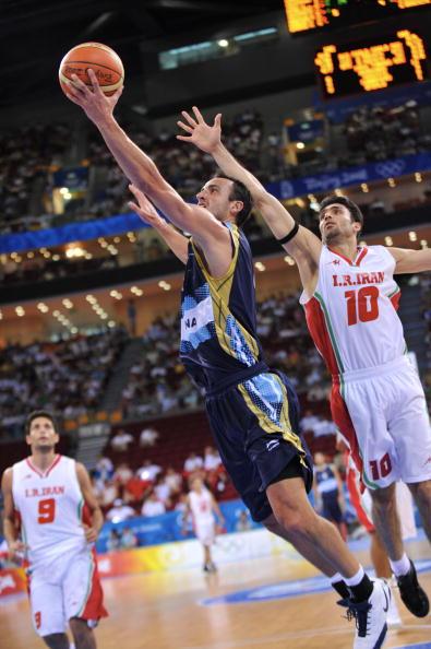 图文-[男篮小组赛]阿根廷97-82伊朗 轻巧上篮