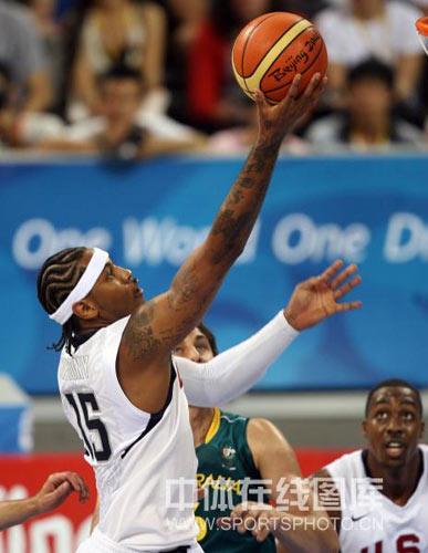 图文-男篮美国116-85澳大利亚 安东尼勾手上篮