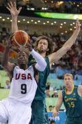 图文-[男篮]美国116-85澳大利亚 对手难阻韦德