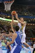 图文-[奥运男篮]阿根廷80-78希腊 对手有些狼狈