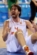 图文-男篮立陶宛vs西班牙 加索尔向裁判要犯规