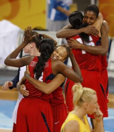 图文-[女篮决赛]美国92-65澳大利亚 庆祝胜利