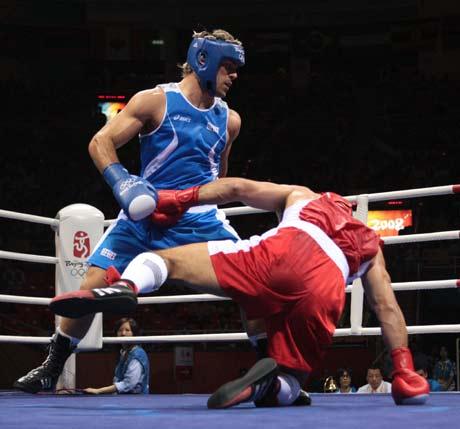 图文-拳击男子91公斤级决赛 鲁索也很厉害