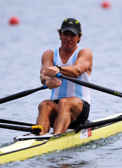 图文-男子单人双桨预赛 阿根廷选手费尔南德斯