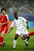 图文-[奥运会]朝鲜女足VS尼日利亚 李金淑防守
