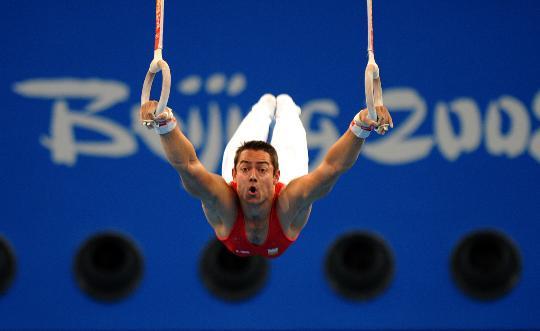 图文-男子体操资格赛开战 马丁内斯在吊环比赛中