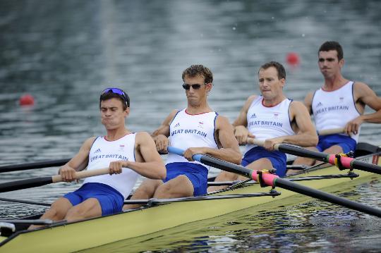 图文-男子轻量级四人单桨决赛赛况 英国队获得第五