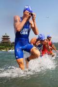 图文-男子铁人三项赛决赛 英国克拉克整泳镜