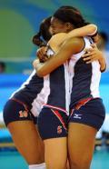 图文-奥运会17日女排小组赛赛况 美国队庆祝胜利