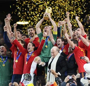 西班牙绝杀荷兰夺冠 加冕第8支冠军队