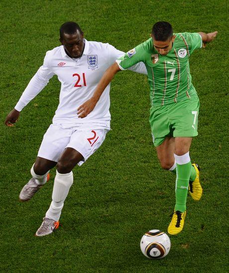 图文-[小组赛]英格兰VS阿尔及利亚赫斯基积极逼抢