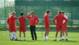 橙红色的教练组