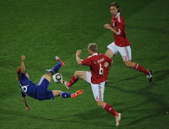 图文-[小组赛]丹麦VS日本雅各布森前进