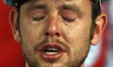 球迷流下眼泪