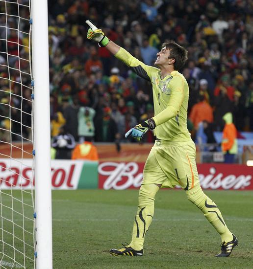 乌拉圭门神扑两点如圣托尔多护体他如戈耶切亚般伟大