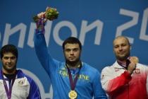 男举105kg级托洛霍季夺冠