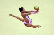 孙妍在表演艺术体操