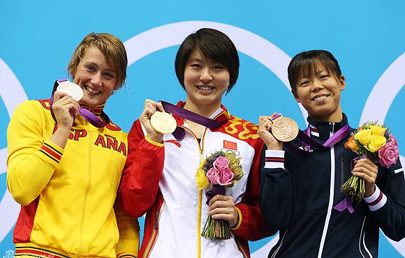 前三名展示金牌