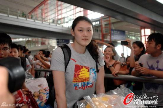 中国女排结束奥运回国