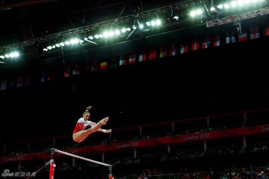 俄罗斯体操女团夺得亚军。