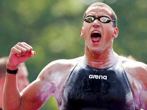 男子10公里马拉松游泳梅洛里夺冠
