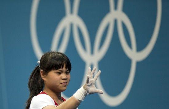 哈萨克斯坦举重奥运冠军祖尔菲娅,中文名赵常玲。 新华社记者费茂华摄