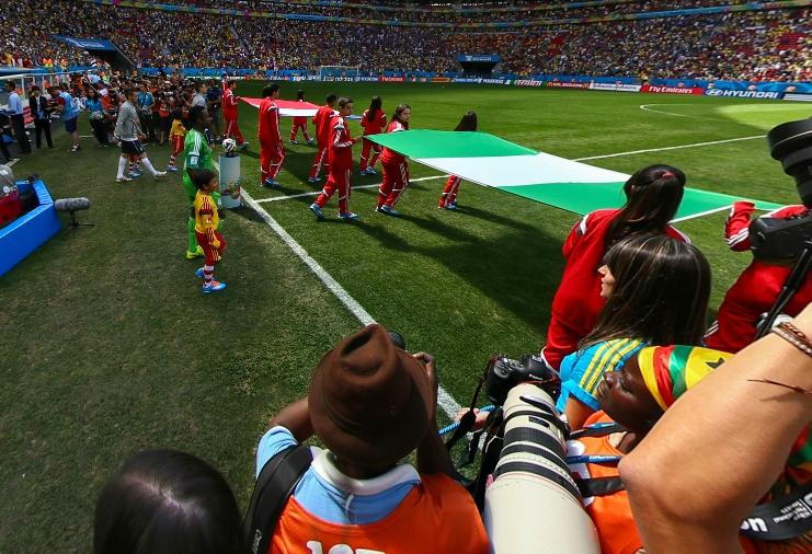 法国与尼日利亚球员入场