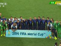 巴西世界杯季军赛 荷兰队赛后颁奖仪式