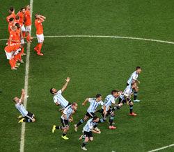 贝利祝贺阿根廷伟大胜利进决赛马拉多纳挖苦巴西
