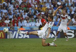 叫板梅西的那个人又赢了!德国征服世界没他不行