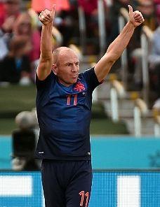 世界杯-范佩西罗本进球中超后卫助攻荷兰3-2澳洲