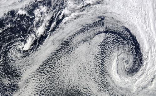 5月地球卫星照片公布:沙漠中现彩色盐田(图)