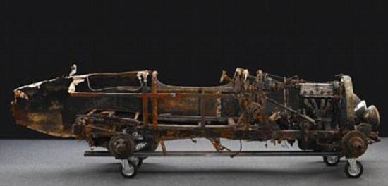 布加迪跑车沉湖70年后重见天日 两成零件完好 201011282618