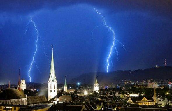 瑞士苏黎世上空雷暴