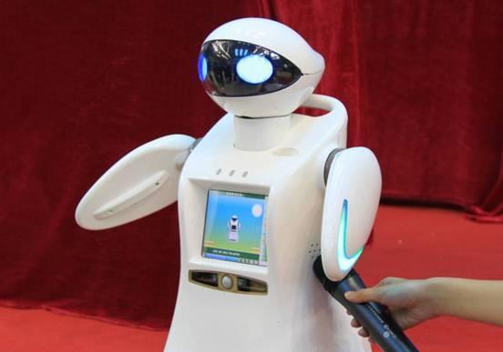 未来伙伴家庭教育机器人贝贝代表机器人运动员宣誓