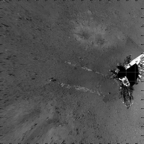 俯视图:好奇号迈出火星第一步