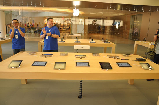 U2679P2DT20121101122737 Sneak peek of Shenzhens first Apple Store