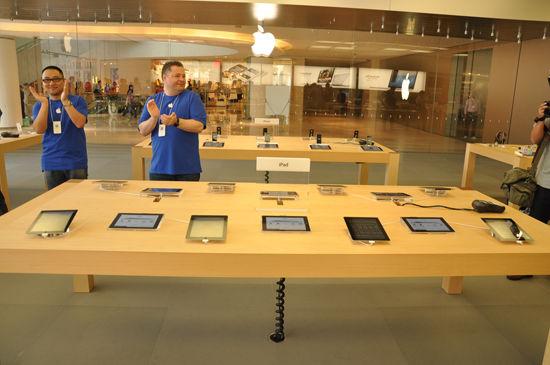 U2679P2DT20121101122737 Sneak peek of Shenzhens first Apple Store