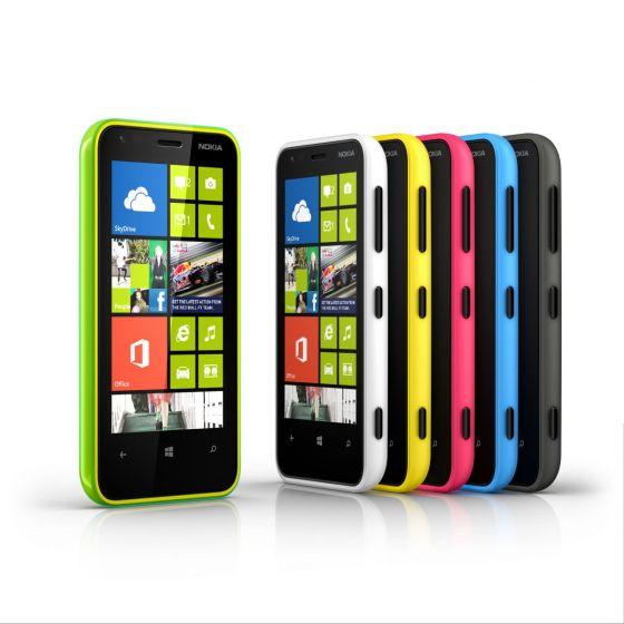 Lumia 620提供橙绿、橘色、品红、黄色、青绿、白色和黑色外壳。
