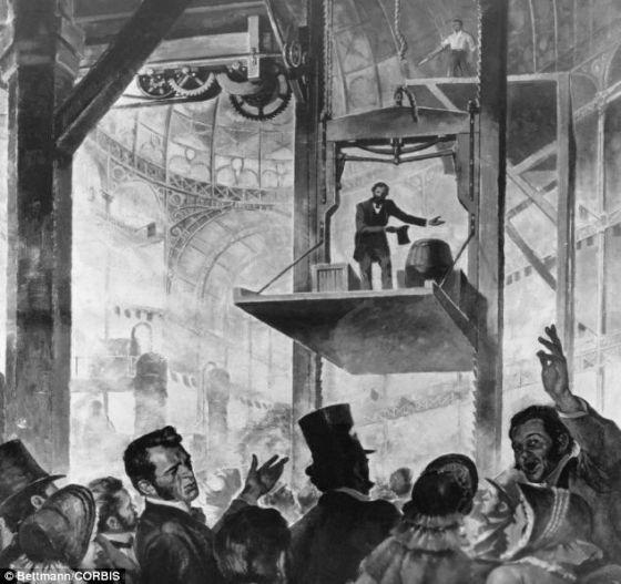 1853年,纽约世界贸易博览会,伊莱沙-奥的斯凭借自己设计的升降梯成为关注焦点。当时,他下令砍断绳索,但升降梯并没有因此坠落地面,而是在自动制动装置的作用下止步