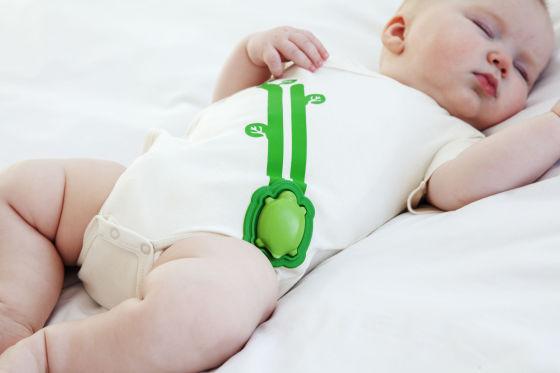 图为:基于Edison芯片的智能婴儿监控衣
